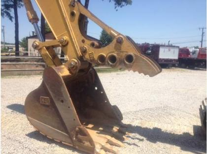 2004 CATERPILLAR 320CL 4