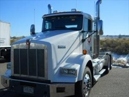 2010 KENWORTH T800 CONVENTIONAL DAY CAB